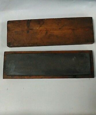 Vintage Sharpening stone in case. Knives chisels etc