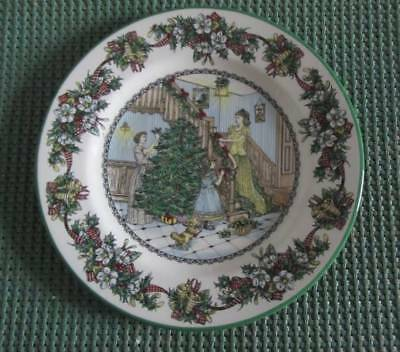 "Deck The Hall ""carolling"" - Spode Christmas Plate - 2005 1St In Series"