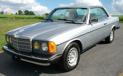 1984 Mercedes-Benz 300-Series CD Turbo Diesel 1 Owner 85K Miles 1984 Mercedes 300CD Turbo Diesel Complete Service History. 1 Owner!! 85K Miles!!