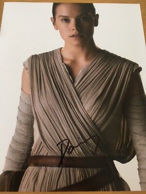"""Daisy Ridley signed photo 10""""x8"""" (In Person) STAR WARS"""