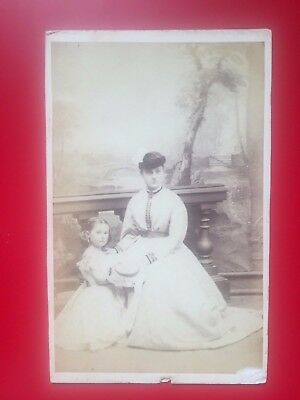 CDV Mother & daughter by FRENCH photographers BARAT of BANBURY
