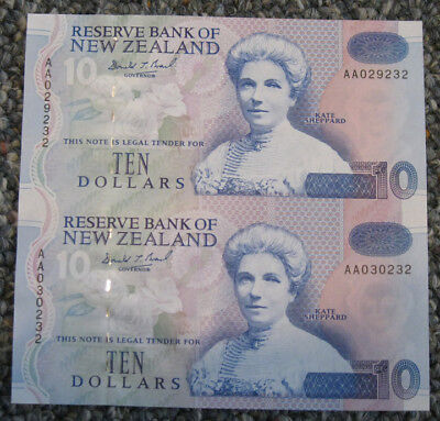 New Zealand - ND (1992-97) Uncut Pair of (2) $10.00 Banknotes (P-178c)