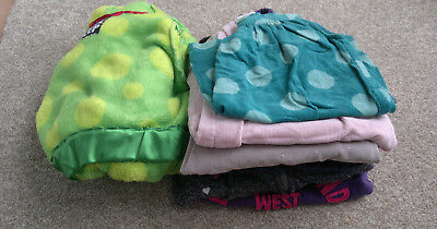 Bundle of girls clothes age 2-3 years. Dresses, hoodies