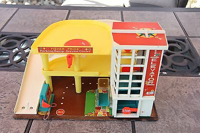 Vintage 1970 Fisher Price Parking Ramp Service Center Elevator Gas Pump 930