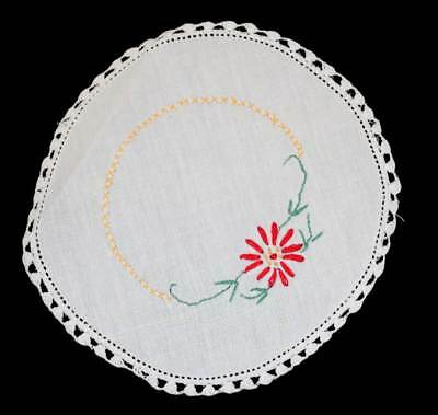 Vintage pretty round doily with embroidered red flower measuring approx 17cm