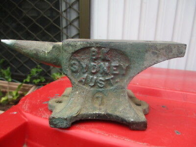 Old BK SYDNEY 7LB ANVIL