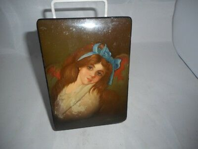 SIGNED Russian FEDOSKINO Antique Hand Painted Lacquered Papier Mache Box