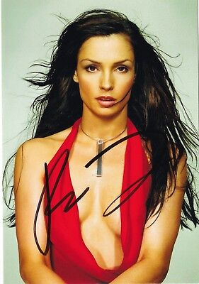 SEXY Famke Janssen Jean Grey original HAND SIGNED photo + COA