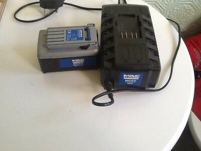 MAC ALLISTER 18v LI-ion battery and charger