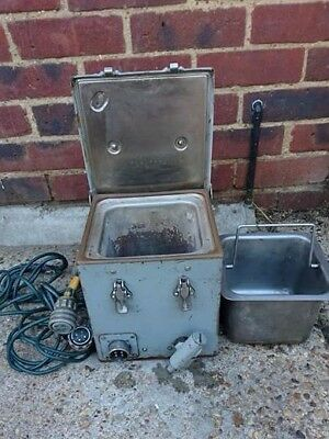 British Army AFV Armoured Vehicle BV No.1 MK2 24V Boiling Vessel with cable