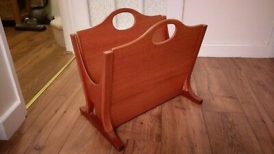 VINTAGE RETRO 1970s VERY STYLISH LARGE PARKER KNOLL SOLID TEAK MAGAZINE RACK