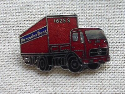 Broche badge pin's Mercedes-Benz camion 1625s