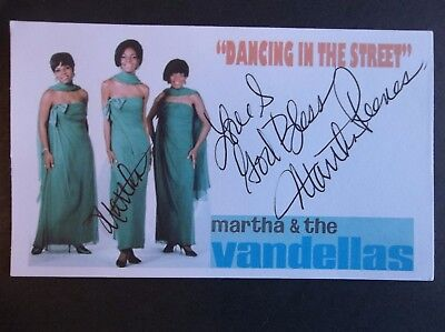 Martha Reeves And The Vandellas Dancing In The Street Autographed 3x5 Index Card