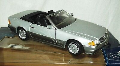 'Mercedes 500SL-32'. 1990.  1:18 Scale Diecast Model. Boxed.