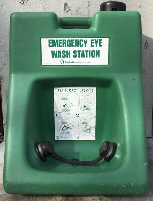 Fendall Emengerency Eye Wash Station With Locking Fill Cap