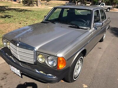 1985 Mercedes-Benz 300-Series W123 1985 Mercedes 300D Turbo Diesel