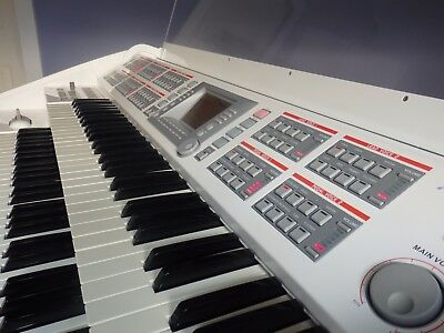 BRAND NEW Ringway RS900 e-organ ONE ONLY