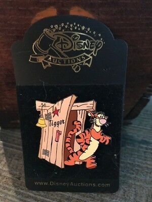 "Disney Auctions - Tigger ""Dressing Room Door"" Pin - LE 1,000"