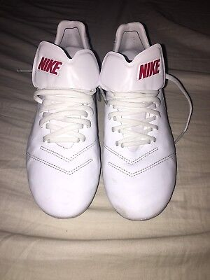 Nike Tiempo Cleats - Size 8