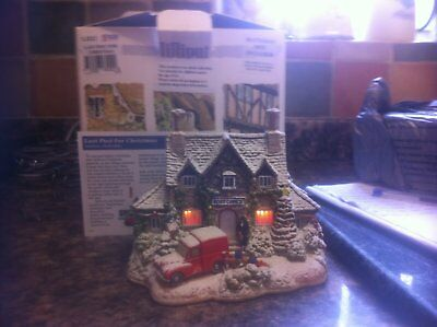 lilliput lane- Last Post For Christmas-lights up-L3222