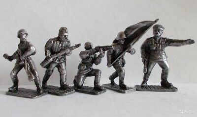 Set of tin tell-tales - the Soviet soldiers of the Second World War