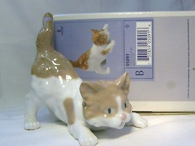 LLADRO Adorable Brown/White Cat   (Playful Cat)   BOXED
