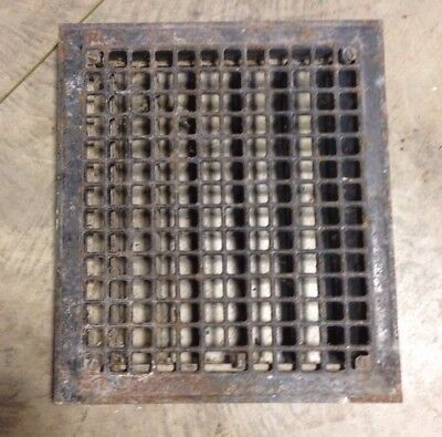 S 29 Antique Sheet Metal Heating Grate With Fins