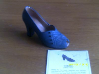 JUST THE RIGHT SHOE- BY RAINE Ladylike