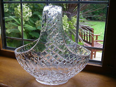 LARGE STUNNING CUT GLASS CRYSTAL BASKET APPROX 26.5 cm X 26.5 cm WEDDING CENTRE
