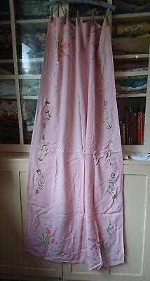 FABULOUS VINTAGE HAND EMBROIDERED COTTON Tablecloth floral pink flowers long