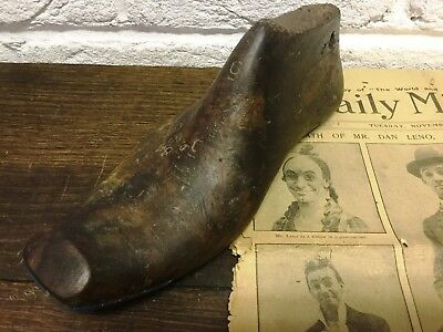 1 Naturally Aged Vintage Old Wooden Foot/Cobblers/Boot Makers Shoe Last - Prop