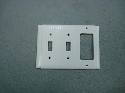 Vintage Bryant Uniline White Decora GFCI Switch Cover Plate 3 Gang Ribbed