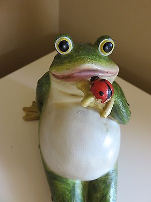 Garden Frog With Ladybug Statue Yard figurine Lawn Ornament New  Resin 8 in. New