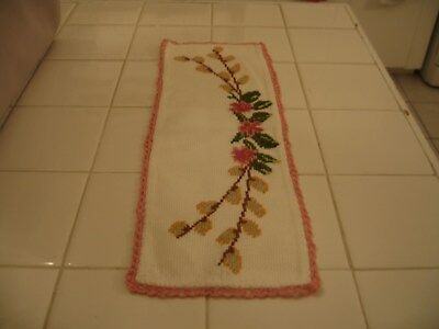 Cute Small Vintage Embroidered Runner Doily Scarve With Floral Pink Flowers