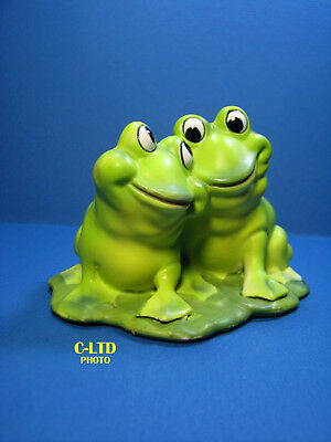 Vintage JOSEF Originals :  2 Large FROGS on PAD ... in Excellent Condition!