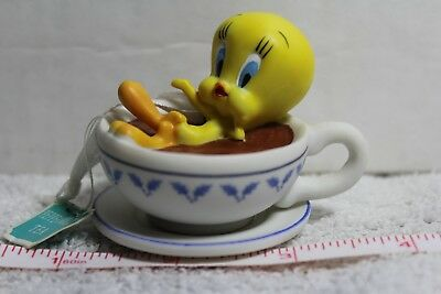 "Hallmark Keepsake Looney Tunes Tweety Bird Tea Cup  ""holiday Spa"" 2001 Porcelain"