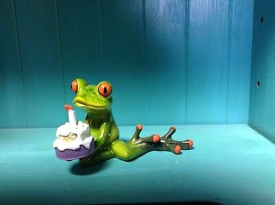 Frog blowing out a birthday candle Figurine NIB