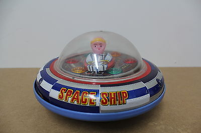 UFO Spaceship Flying Soucer X5 20 cm Battery Antique old Tin Blech