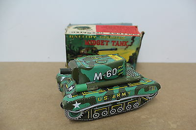 Panzer Tank M-60 US Army ALPS Japan Battery Antique old Tin Blech Box