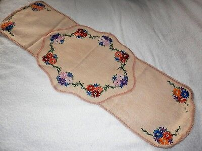 VINTAGE Hand Embroidered Table Runner Centre Piece Length 30 inches