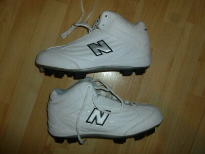 New Balance 700 size 8.5 white football ?? cleats shoes  RETAIL $60+