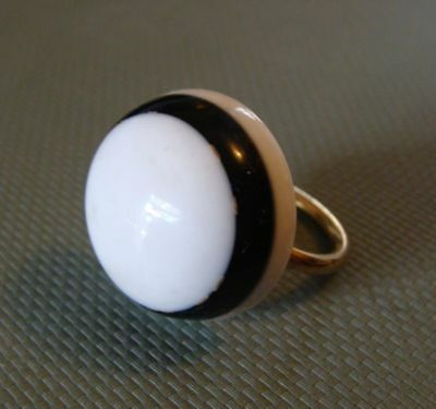 Vintage Lucite Chunky Black and White Round Ring NOS sz 7 w Adjustable Band