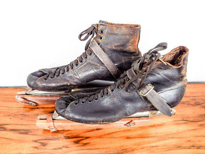 Vintage 1940s Primitive Alfred Johnson Leather Ice Skating Skates Boots & Covers