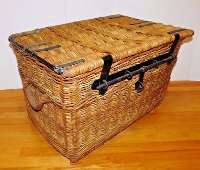 Antique Vtg Wicker Trunk Chest Wrought Iron Latch Lock Collectors French Country