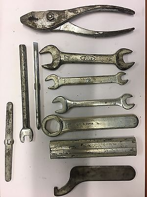 Honda Four Bordwerkzeug diverse Teile  toolkit assorted tools