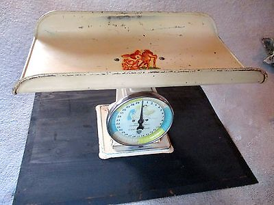 Vintage Bambi Baby Metal Scale by Paragon Nursery. 30 Pound Capacity