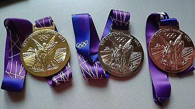 3 Goldmedaille SIlber Bronze Gold Olympia Olympische Spiele Medaille London 2012