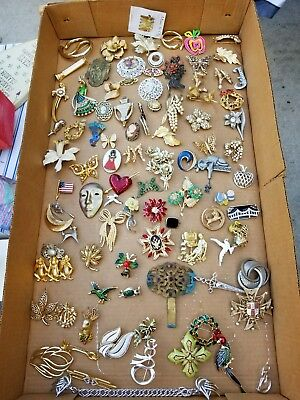 92 Piece Vintage Antique Designer Brooch Broach Pin Jewelry Lot Crown Trifari ++