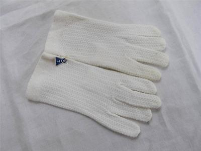 VINTAGE UNUSED 1960's GIRL'S CHILD'S KNITTED WHITE GLOVES - GLOVE SIZE 7