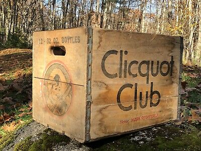 Vintage CLICQUOT CLUB Wooden Soda Bottle Crate Bangor Maine Eskimo Logo Sign